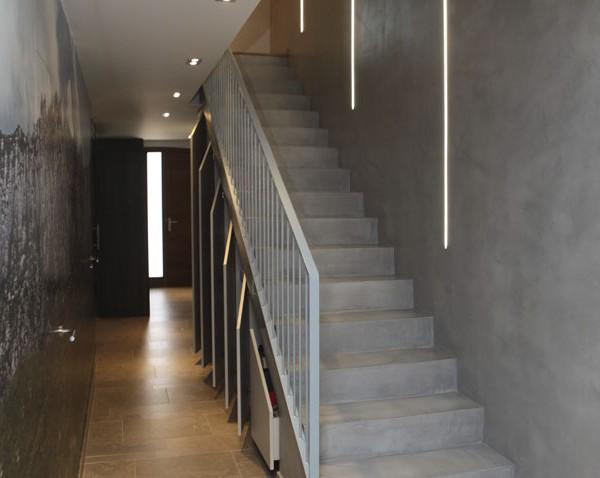 Escaleras de microcemento gris