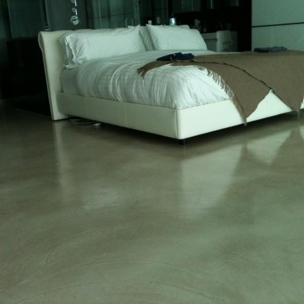 Suelos de Microcemento en dormitorio